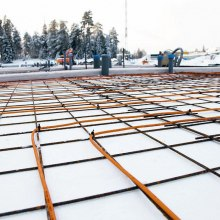 Installation and use of heating cables is possible up to temperatures of -10 ° C.
